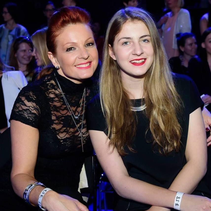 A rajongók szerint Keleti Andi lánya, a 15 éves Viki inkább édesapjára, Kovács Zoltán táncművészre, mint édesanyjára hasonlít.