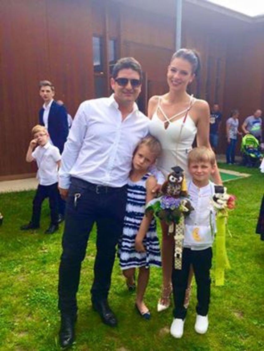 Hajdú Péternek és Sarka Katának sűrű volt a hétvégéje: az esküvő mellett kisfiuk ballagásán voltak, Dávidka kijárta az óvodát.