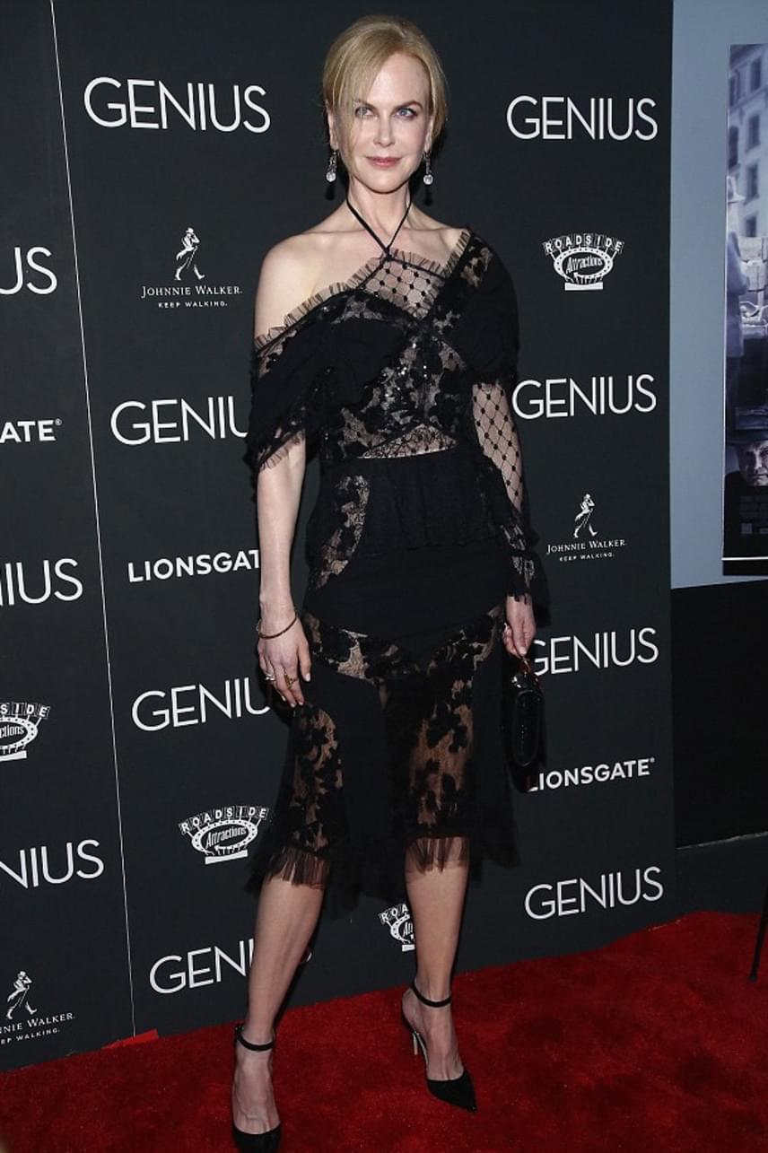 Az általában visszafogott sztár most igazán kitett magáért, ilyen szexinek talán még sohasem láthattuk a 48 éves színésznőt.