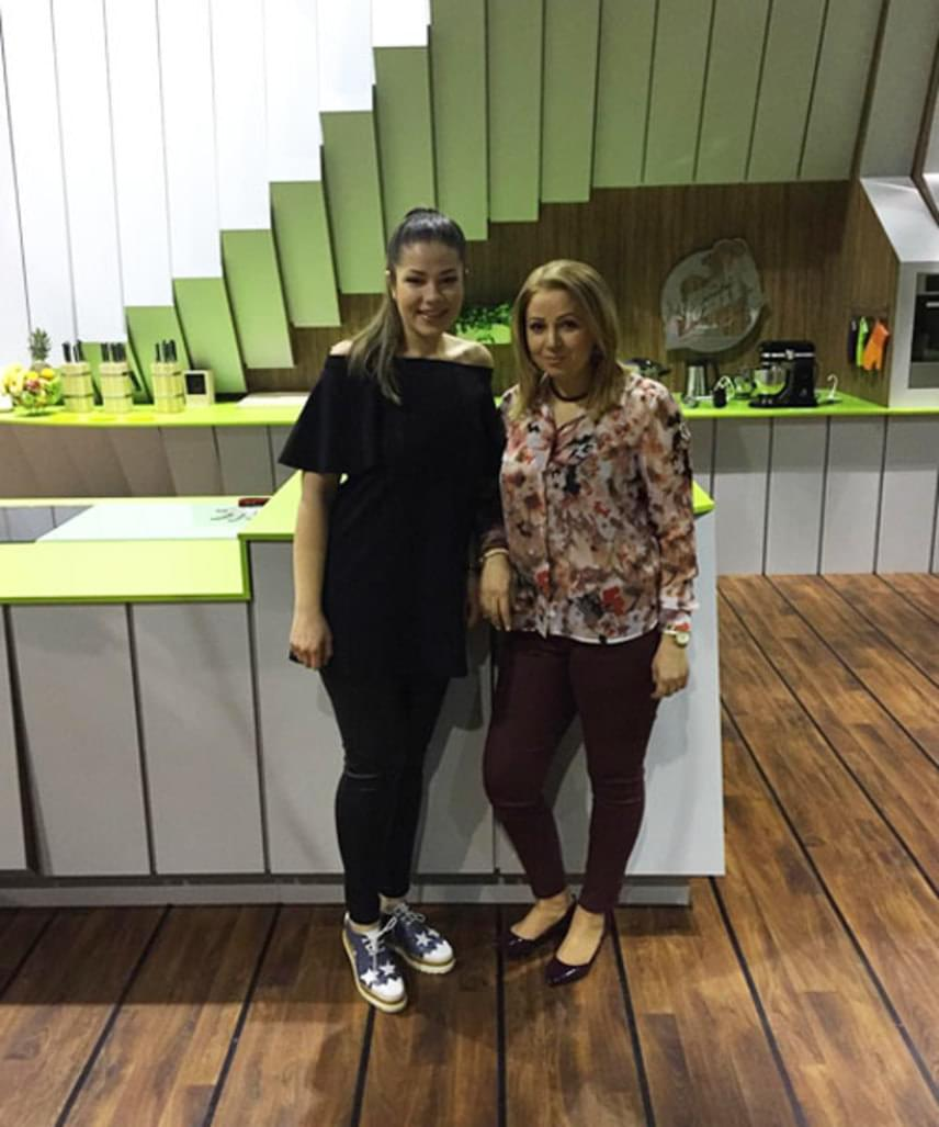 Gáspár Evelin és édesanyja, Bea asszony áprilisban az RTL Klub Hagyjál főzni! című műsorában szerepeltek: anya és lánya jól össze is balhézott Istenes Bencével.