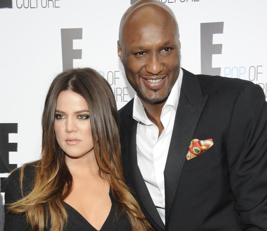 Khloé Kardashian megelégelte férje alkohol- és drogproblémáit, ezért úgy döntött, elválik tőle. Hónapok óta külön éltek, amikor Lamar Odom túllőtte magát, és kómába esett - miután felébredt, döntött úgy, hogy rendbe hozná tönkrement házasságát, de addigra már túl késő volt.