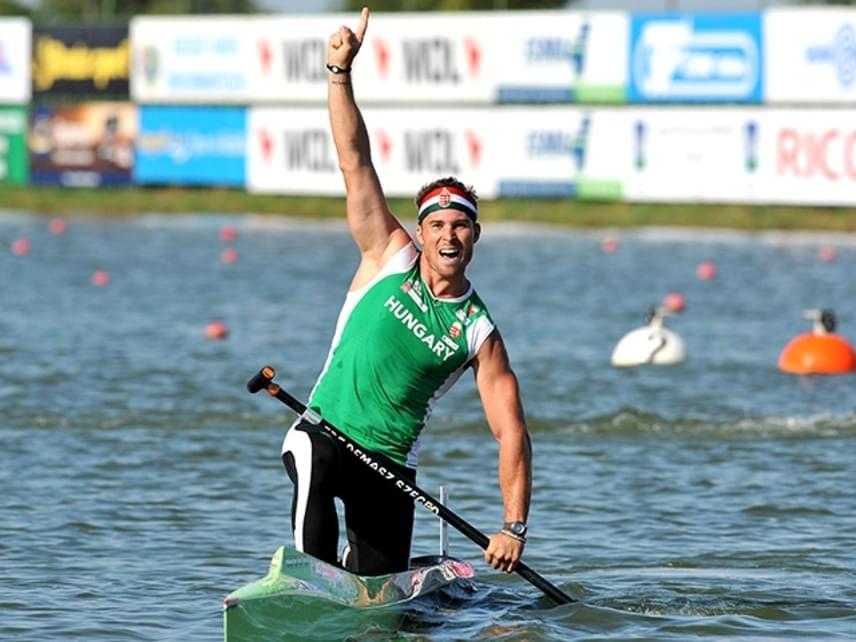 Vajda Attilát kajak-kenu indulóként láthatjuk majd szerepelni. Az 1983-as születésű olimpiai bajnok sportpályafutását 10 évesen kezdte, első komolyabb sikerét 2000-ben érte el.