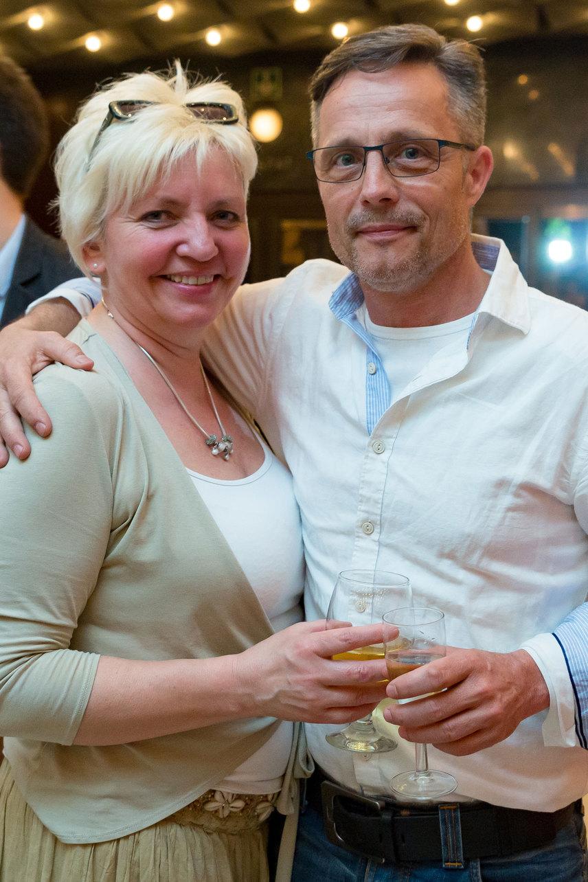Kádek Heni és Vízy András a Nemzeti Stúdió megalapításának 50. jubileuma alkalmából rendezett ünnepségen - mint két friss szerelmes.