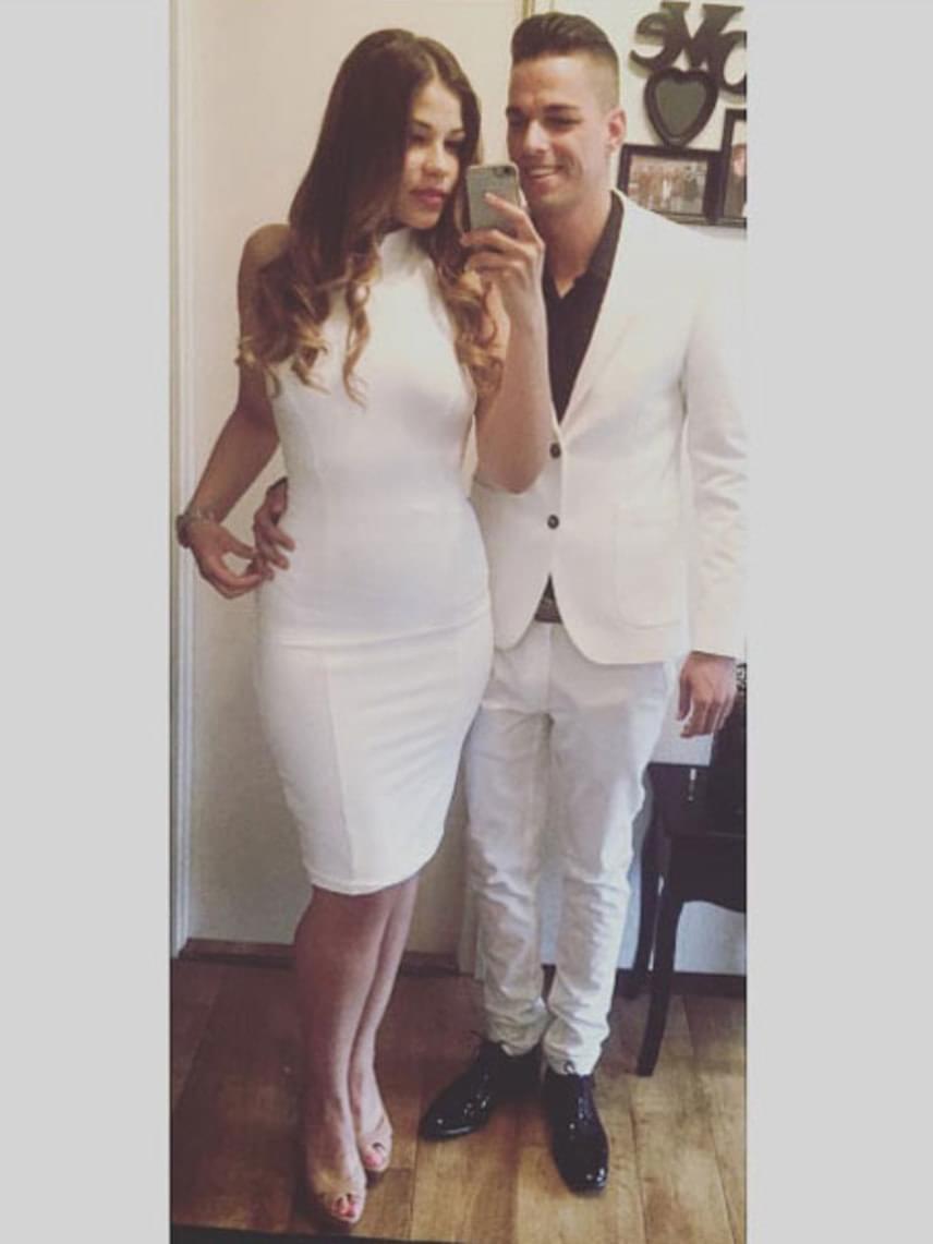Gáspár Evelin az elmúlt időszakban nagyon sokat fogyott, ez a testhezálló, hófehér ruhában jól látható.