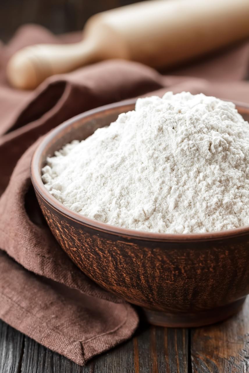 A fehér lisztek nagyjából 75%-ban állnak szénhidrátból, sőt, ehhez közeli értéket mutat a rizs is. Ezzel szemben a teljes kiőrlésű lisztek és a barna rizs gazdagabbak rostokban, így hosszabb időre teltségérzetet keltenek, segítenek a béltisztításban, és a vércukorszintedet sem dobják meg nagyon, így jobb szénhidrát-beviteli lehetőséget nyújtanak a diétázóknak.