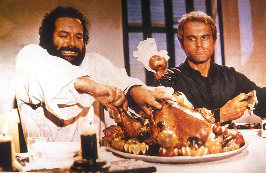 A színész az egyik kedvenc sörmárkája miatt választotta a Bud nevet, a Spencer név pedig kedvenc színészére, Spencer Tracyre utal. Terence Hill mókásnak találta, hogy termete ellenére a Bud - rügy - nevet vette fel.