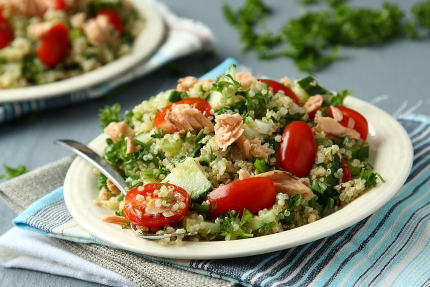 A quinoa gluténmentes és magas a fehérjetartalma. A quinoában gazdag étrend jót tesz a gyomorbántalmakkal rendelkezőknek.