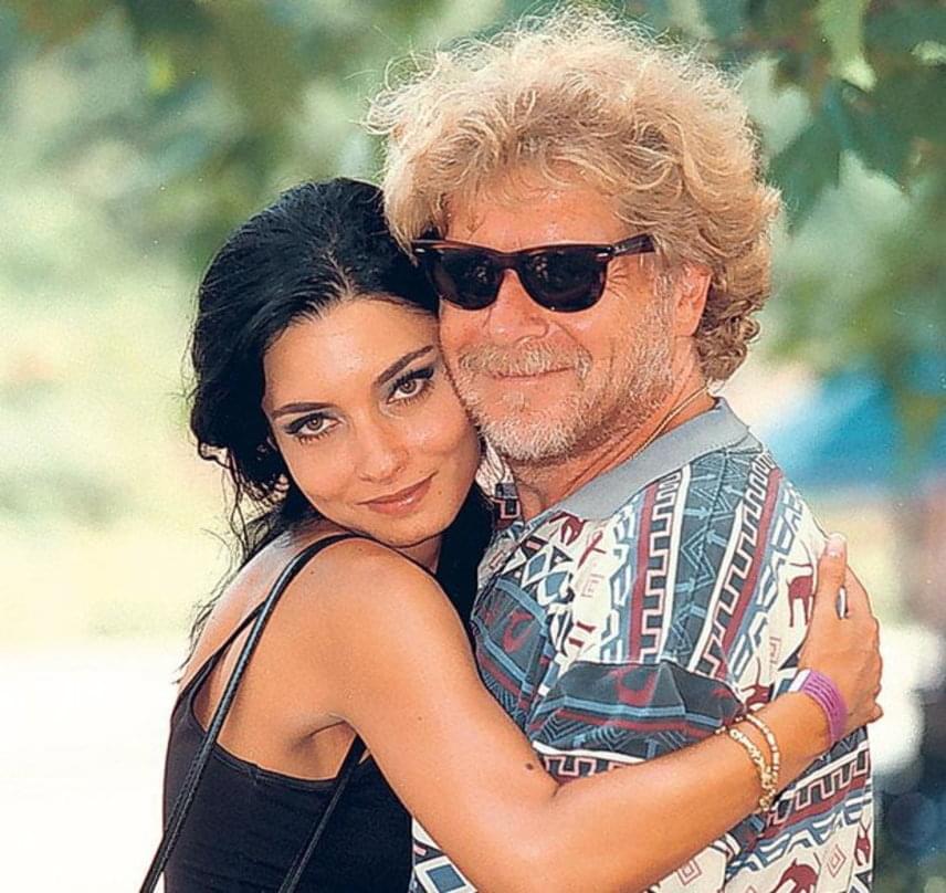 Gregor Bernadett második férje a nála 25 évvel idősebb Gát György producer volt, aki 1976 és 1992 között Görbe Nóra színésznő párja volt. Bár négy évig egy pár alkottak, házasságuk kilenc hónap után zátonyra futott.