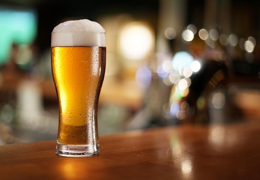 Az alkohol májra rótt terhelése korántsem előnyös az anyagcsere számára, ám nem ez az egyetlen probléma. Gyakori, hogy a gyengébb minőségű borokban, pezsgőkben és röviditalokban is cukor bújik meg, nem beszélve az italok kalóriatartalmáról. Érdemes ezekről mindig tájékozódni fogyasztásuk előtt!