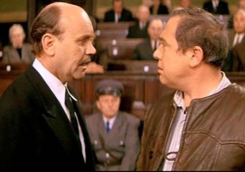 Részlet az 1969-es A tanú című filmből, amelynek forgatása során a színész 44 esztendős volt. A szélesvásznú alkotást azonban csak tíz évvel később engedték bemutatni Magyarországon.