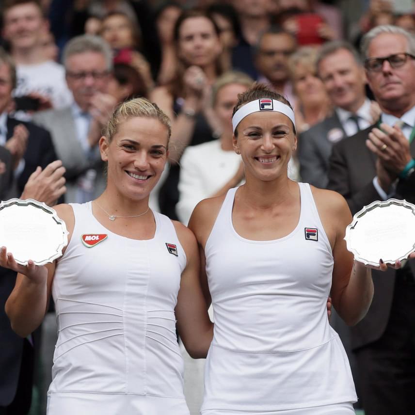 Babos Tímea és Yaroslava Shvedova arcáról azt követően sem hervadt le a mosoly, hogy elveszítették a meccset Serena és Venus Williams ellen. Inkább örültek a wimbledoni teniszbajnokság női páros versenyében megszerzett második helyüknek.