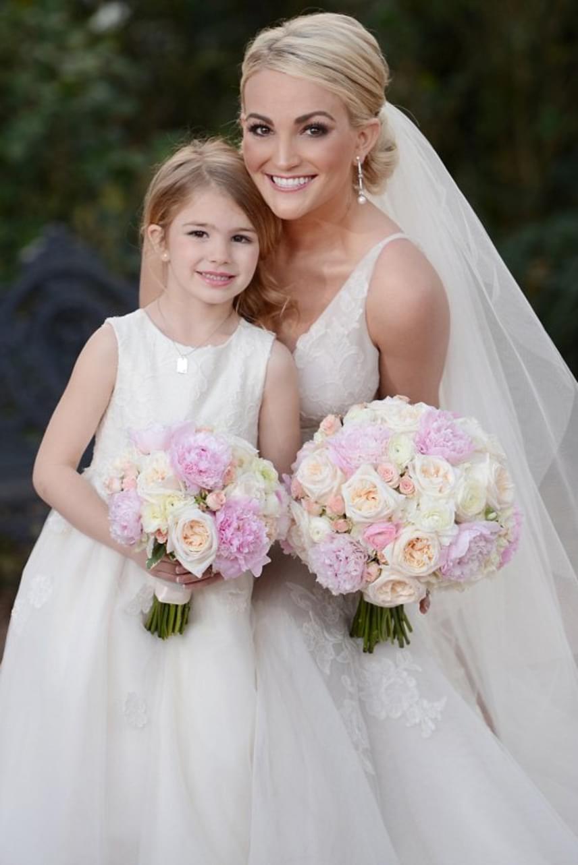 Britney Spears kishúga, az énekes-színésznő Jamie Lynn 16 évesen, egy benzinkút mosdójában tudta meg, hogy teherbe esett kislányával, Maddie-vel. A csöppség apjával nem sokáig tartott a románc, de azóta újra rátalált a szerelem, ráadásul a karrierje is ível felfelé.