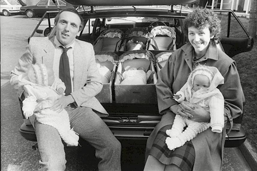 Janet elmesélte, nem volt lehetősége igazán felkészülni a babák születésére, mivel kórházból kórházba küldték, amíg el nem jött a szülés ideje. Sem tanfolyamra, sem szülésznőhöz nem jutott el.