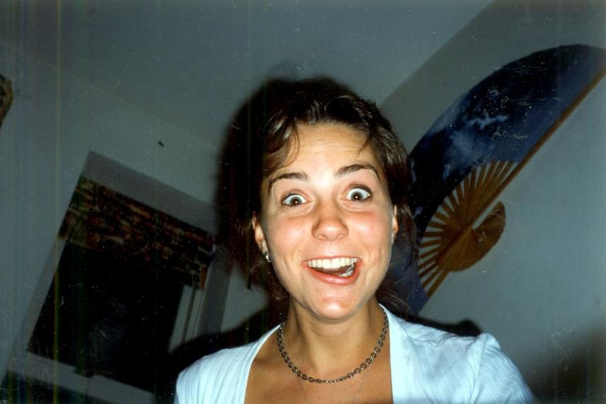 Alighanem ez a legszörnyűbb kép, ami valaha készült Katalinról: itt éppen az egyetemi szobatársával bohóckodott, a fotóból pedig örök emlék lett.
