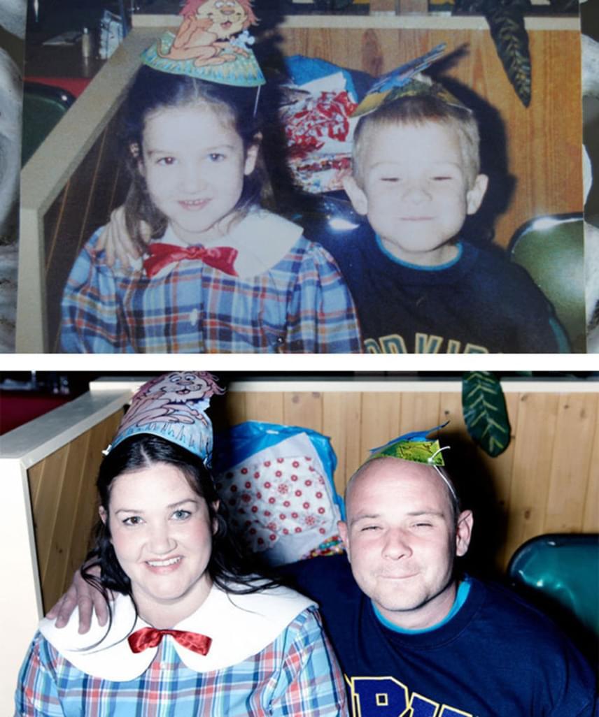 Katie és Joseph az általános iskolában találkoztak először. Megismerkedésük hajnalán, a fenti képen a kis Joseph huncut mosollyal az arcán karolta át Katie-t. Diákszerelmük lángja nem aludt ki az évek alatt sem: ma már egy kisfiú boldog szülei.
