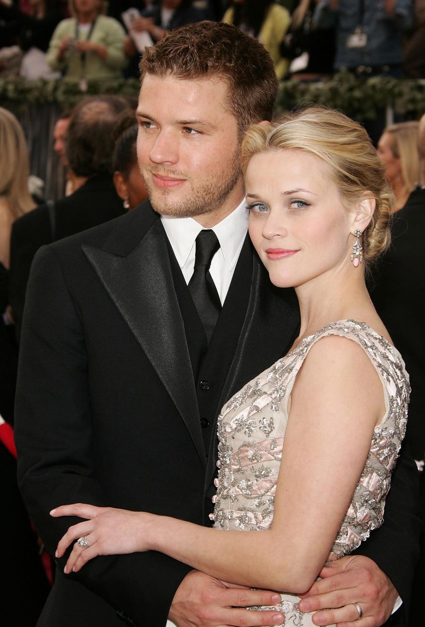 Reese Witherspoon és Ryan Phillippe igazi álomházasságban éltek, amíg a színész félre nem lépett: kolléganőjével, Abbie Cornishsal kezdett viszonyt, akivel A sereg nem enged forgatásán találkozott.