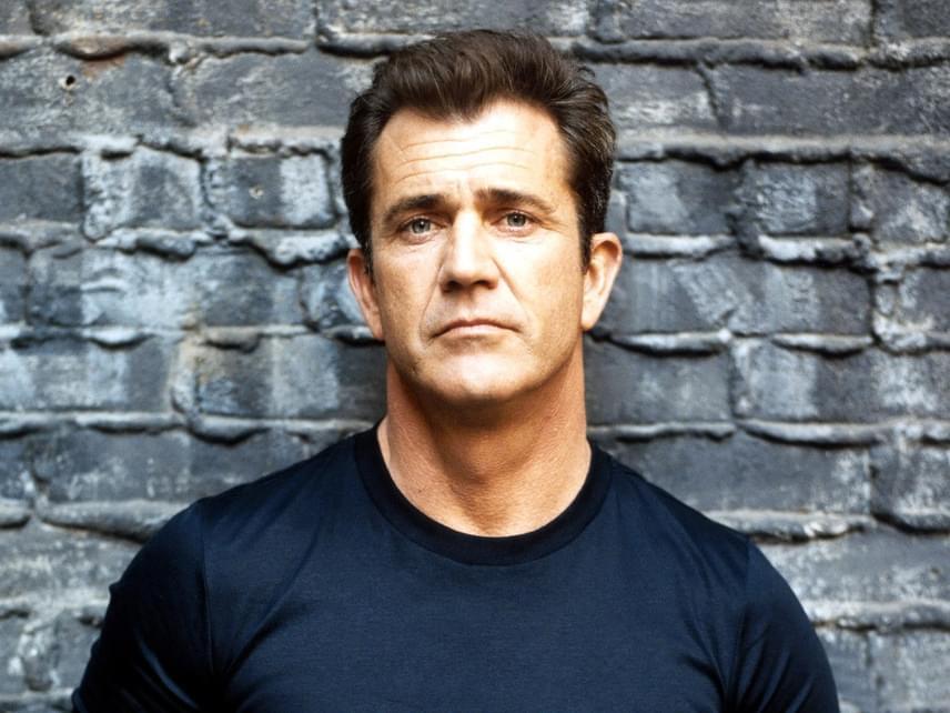2011-ben az Oscar-díjas Mel Gibsont is bevitték a rendőrök akkori barátnője, Oksana Grigorieva bántalmazásáért.