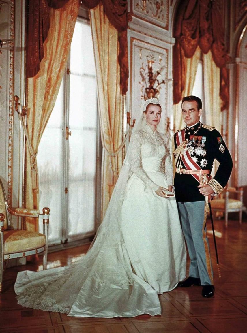 9232fa1af1 A hollywoodi színésznőből lett hercegné történetét milliók imádták az  '50-es években. Grace