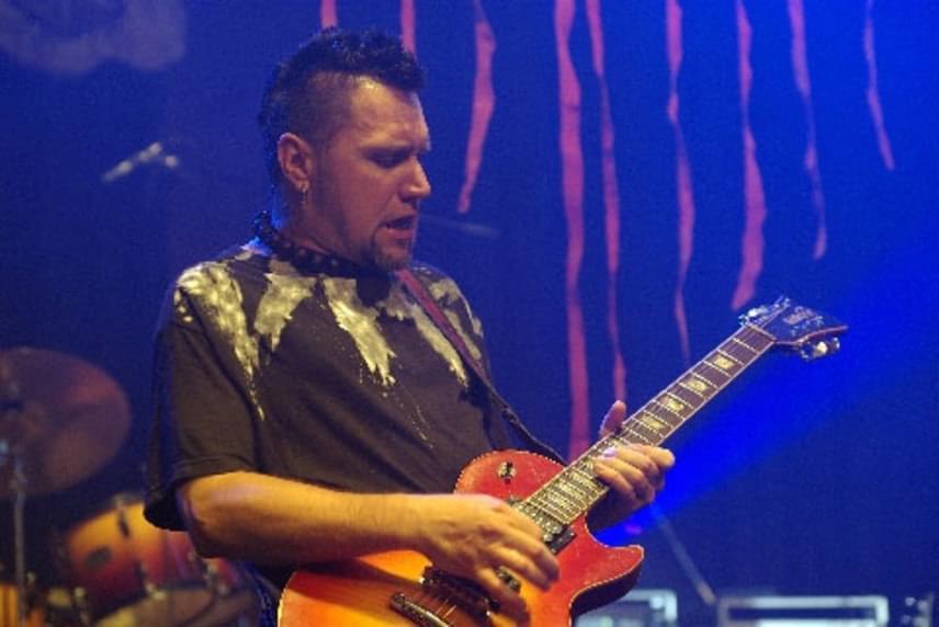 A Vágtázó Halottkémek gitárosáról, az 50 éves Németh Lászlóról körülbelül három hete derült ki, hogy a betegsége halálos lehet. A zenekar csütörtök este tudatta, hogy meghalt.