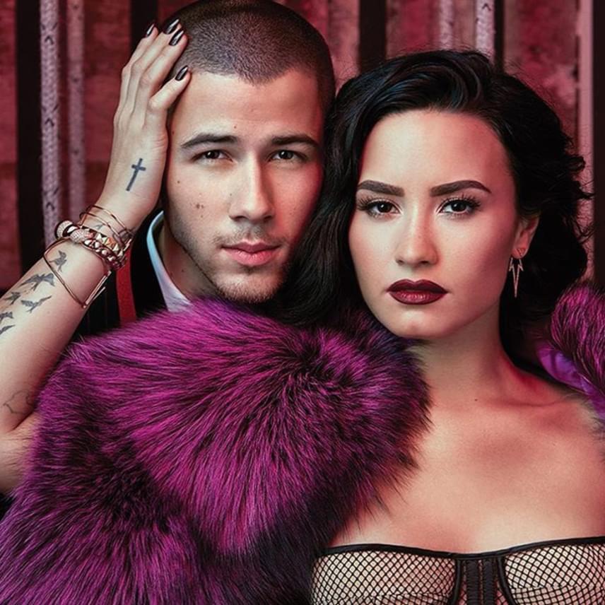 Demi és Nick kapcsolata nem hétköznapi: a Billboard címlapja szerint ami köztük van, az barátság (karrier)extrákkal, és a két sztár úgy gondolja, ezt ők sem tudták volna jobban megfogalmazni.
