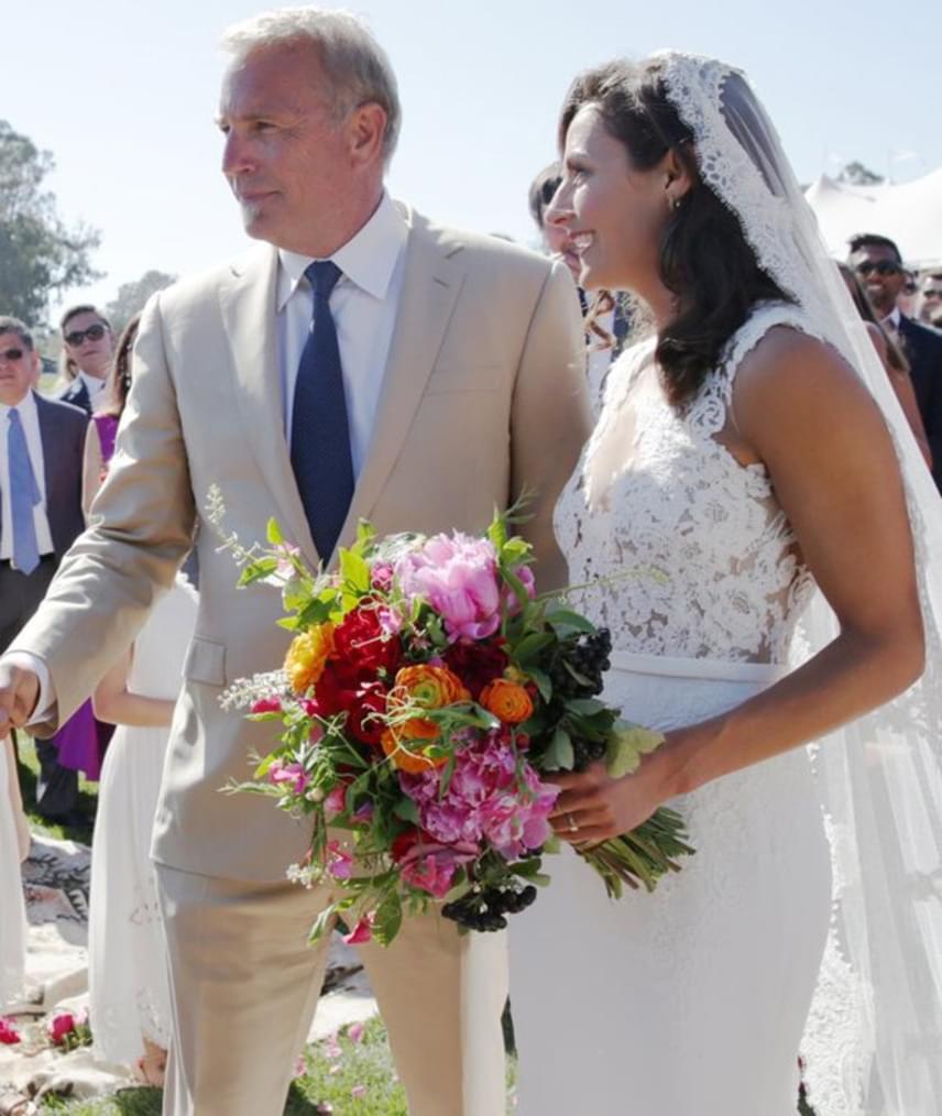 2016. július 20-án a színész oltár elé vezette legidősebb lányát, Annie-t, aki hatalmas ceremónia keretein belül kötötte össze az életét vőlegényével, Danny Cox-szal.