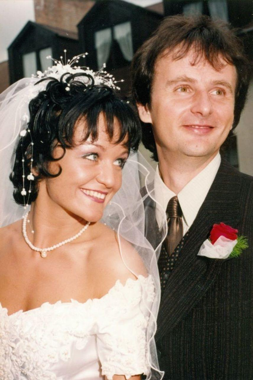 """""""17 évvel ezelőtt a mai napon úgy döntöttünk, hogy örökre összekötjük az életünket!"""" - az énekesnő és férje június 18-án ünnepelték a házassági évfordulójukat."""