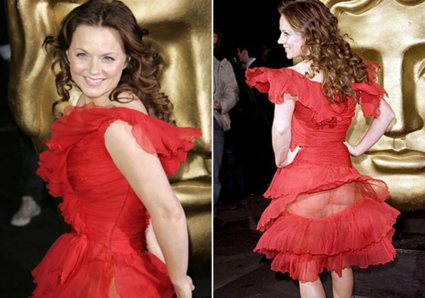 Geri Halliwell a 2008-as BAFTA-díjátadón került kínos helyzetbe a ruhája miatt. Az áttetsző anyagú estélyi fodorrésze fennakadt, így teljes rálátást engedett az énekesnő popsijára.