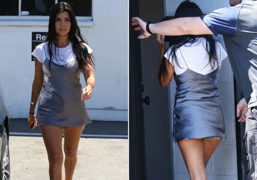 Elölről nagyon csinos volt Kourtney Kardashian, hátulról viszont sokat mutatott magából: minden lépésnél láthatóvá vált a feneke.