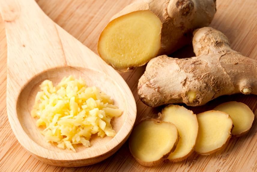 Több kutatás is foglalkozott már a gyömbér apoptózist elősegítő hatásával, amit elsősorban a benne található, gingerol nevű hatóanyagnak köszönhet.