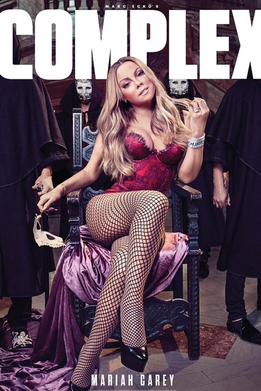 """A rajongók sem örülnek a manipulált fotóknak, ilyen és ehhez hasonló hozzászólások érkeztek a közösségi oldalán: """"Ez nem te vagy, Mariah!"""", """"Mindig azt szajkózod, hogy fogadja el magát mindenki, közben meg olyan kicsire photoshopoltatod a feneked, mint egy alma"""", """"Minek hazudsz, Mariah? Nem így nézel ki!"""" - írták a követői."""