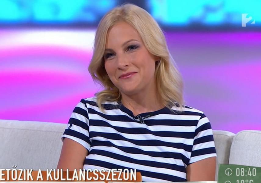 Várkonyi Andrea már túl van egy nagyobb külföldi nyaraláson, barnaságát is ennek a vakációnak köszönheti. A műsorvezető sikeres felvételije miatt is ragyoghat a boldogságtól.