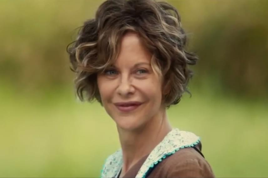 Az 54 éves színésznő jelenleg egy új filmet forgat, az Ithaca című drámában játssza majd a főszereplő édesanyját. A friss fotókon jól látszik, hogy a hollywoodi sminkesek munkája ellenére is jóval idősebbnek tűnik a koránál.