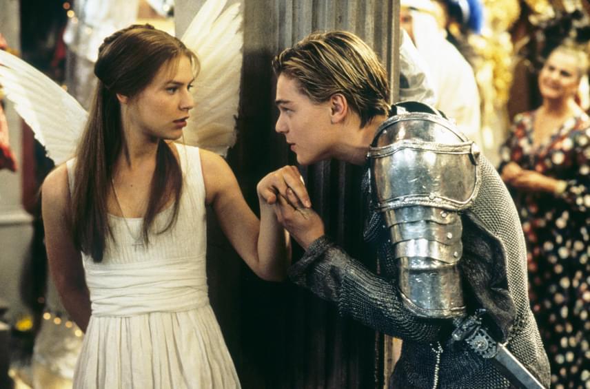 Néhány évvel később Claire Danes bevallotta, hogy a problémát valószínűleg az okozta, hogy DiCaprio és közte hatalmas volt a vonzalom, amit akkoriban egyikük sem tudott kezelni.