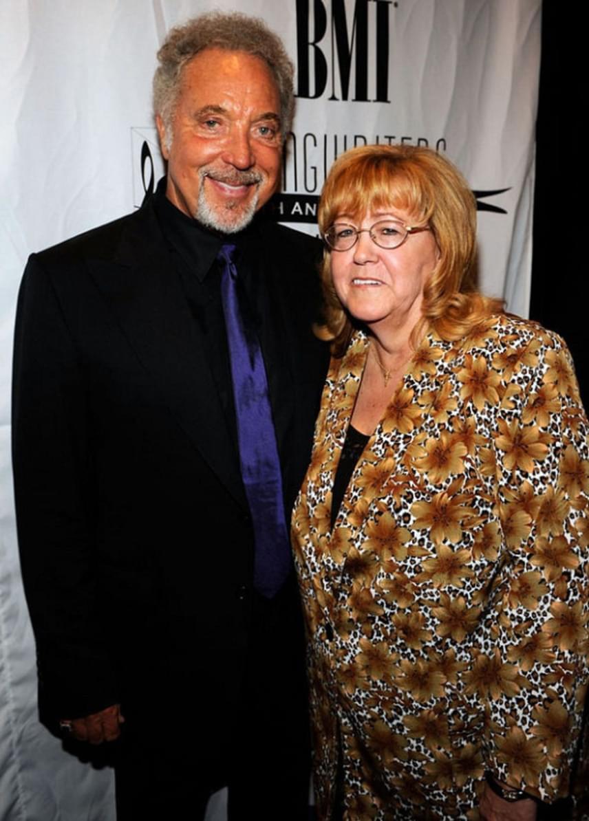Tom Jones és Melinda Trenchard 59 éve voltak házasok, amikor a halál elválasztotta őket: Lindát alig néhány hónap alatt legyőzte a rák.