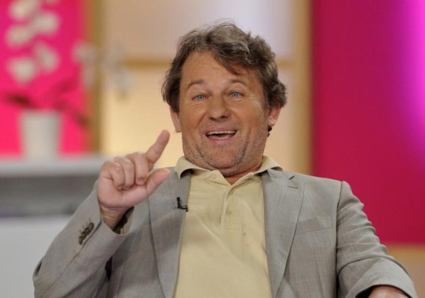 Az Üvegtigris Cingárja, Szarvas József 2015-ben, 57 évesen lett másodjára édesapa: fia, Dávid után 31 évvel született meg kislánya. A színész két gyermekén kívül két unokájának is örülhet.