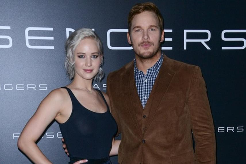 A forgatás végén Jennifer Lawrence még az anyukáját is felhívta, hogy az megnyugtassa, semmi rosszat nem csinált, a film premierjén pedig bocsánatot kért Chris Pratt feleségétől, Anna Faristől.