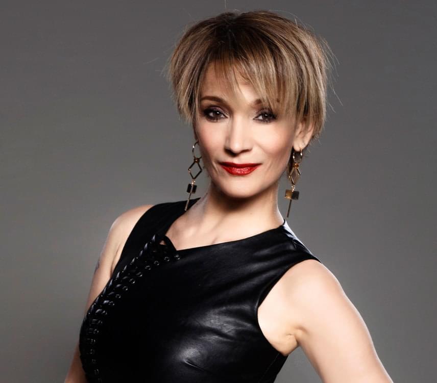 Ujjonghatnak Keresztes Ildikó rajongói, az énekesnő öt év után nagy örömhírt jelentett be kedden a Mokkában.