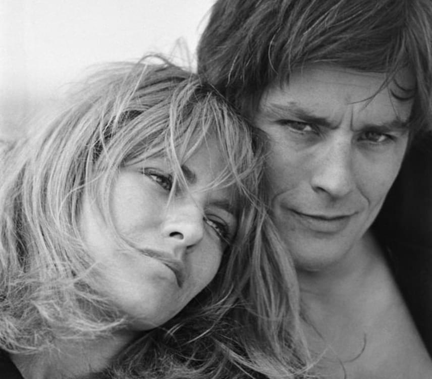 Háromnegyed évvel azután, hogy szakított Romyval, Delon feleségül vette Nathalie Barthélemyt. Fiuk, Anthony 1964 szeptemberében született meg. Delon 1967-ben adta be a válókeresetet, de továbbra is egy fedél alatt laktak. Válásukat 1969-ben véglegesítette a bíróság.