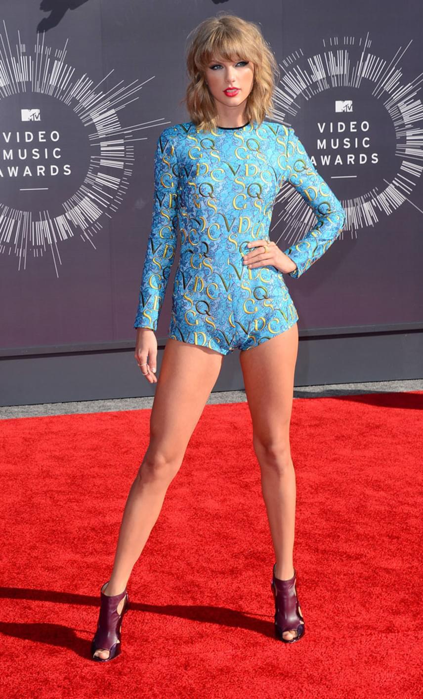 Ez a kép a 2014-es MTV Music Video Awards-on készült róla. A különbség kétségkívül feltűnő, nem csoda, hogy mindenki jócskán össze is van zavarodva.