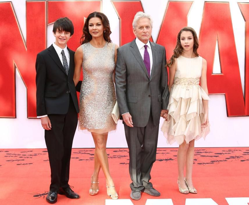 Legutóbb az Ant-Man - A hangya című képregény-adaptáció premierjén fotózták le együtt a vörös szőnyegen a családot, amiben Michael Douglas kapta meg az egyik főszerepet.