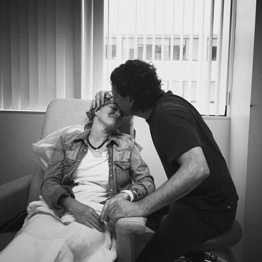 Férje, Kurt Iswarienko tartja benne a lelket. Minden kezelésre elkíséri, fogja a kezét, amiért a színésznő rettentően hálás. Állítása szerint a házasságuk olyan erős lett a betegsége óta, amilyen még soha nem volt.