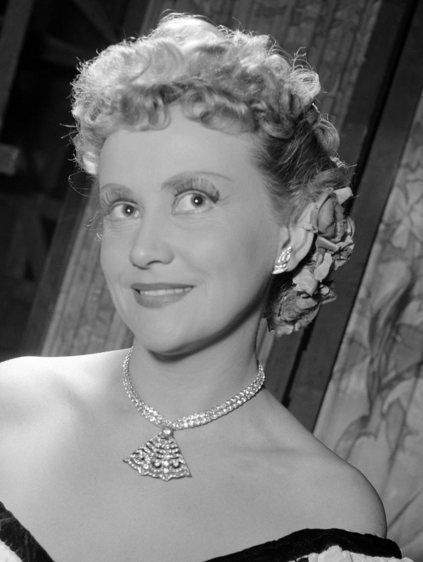 2016. december 6-án egy tragikus balesetben elhunyt Lehoczky Éva - a legendás magyar operaénekesnő 91 éves korában lakástűz áldozata lett, a helyszínre érkező mentők már nem tudták megmenteni az életét. Lehoczky Éva a koloratúrszoprán fogalmának ideális megtestesítője volt, lírai és drámai szerepeket egyaránt énekelt. Sok százszor előadott, emblematikussá vált alakítása volt az Éj királynője Mozart klasszikus operájában, A varázsfuvolában.