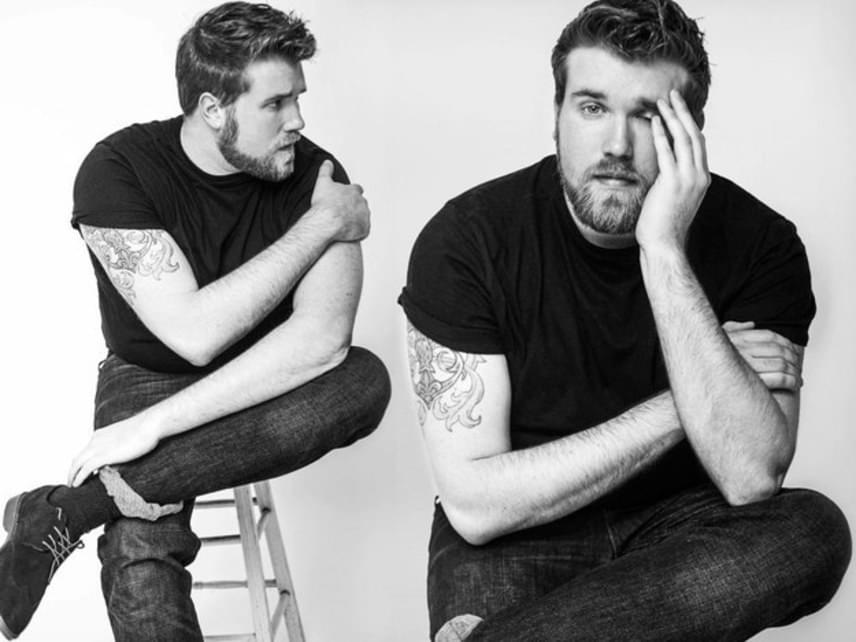 A férfiak nem attól lesznek jó pasik, hogy a testük szépségét túlmisztifikálják. Inkább attól válnak vonzóvá, hogy ki vannak békülve önmagukkal, és tudják, mit akarnak - mint mondjuk Zach Miko, aki sikeres modell.