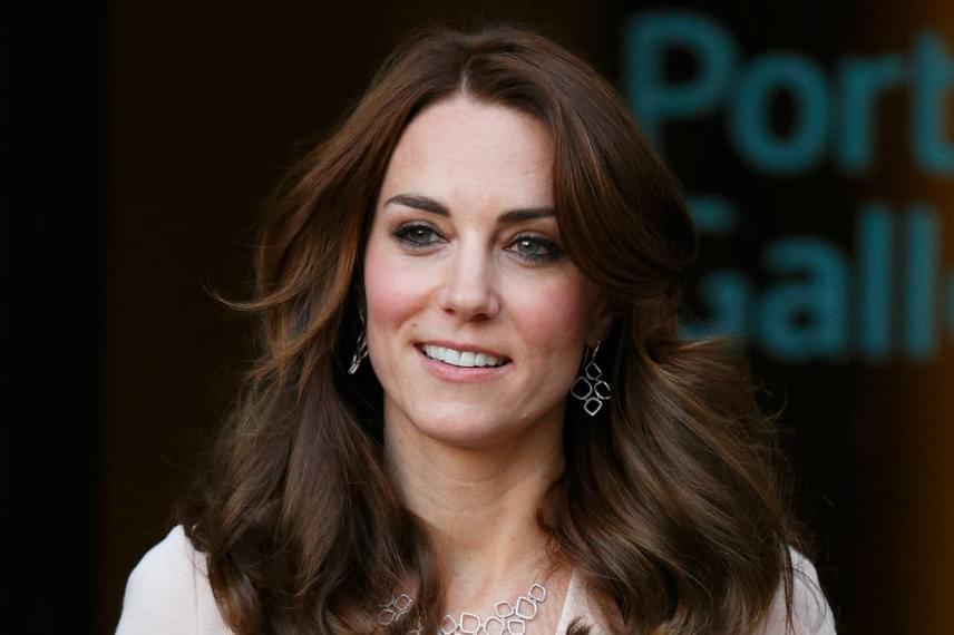 Egyáltalán nem meglepő, hogy sokan szeretnének hasonlítani Kate Middletonra. A hercegné bájos arcáról a sebészek leggyakrabban az orrát próbálják lemásolni.