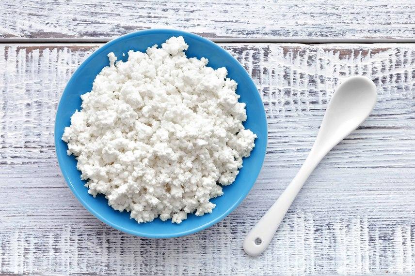 A sajtok - többek között a cottage cheese - 100 grammonként 32 gramm proteinnel járulnak hozzá a napi beviteledhez. Ez a mennyiség még a csirkemellet is túlszárnyalja, mellyel ugyanilyen mennyiségben csak 29 grammot viszel be. Fogyaszd rendszeresen gyümölcsökkel, reggelire vagy vacsorára!