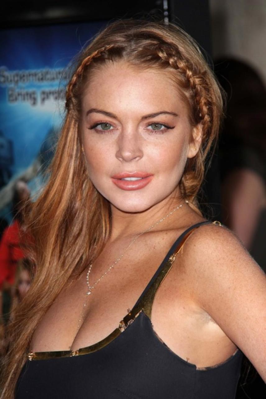 Lindsay Lohan számos nyilvános kirohanáson van túl - főként az őt ért kritikákon akadt ki. Twitter-oldalán 2013-ban hosszan taglalta, hogy az internetes zaklatói miatt csúszott le ennyire a lejtőn, és a beszólásaik miatt lett depressziós.