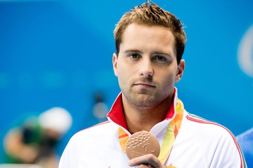 Az S9-es sérültségi kategóriában versenyző Sors Tamás bronzérmet szerzett 100 méteres pillangóúszásban csütörtökön, ezzel szert téve a magyarok 12. érmére.