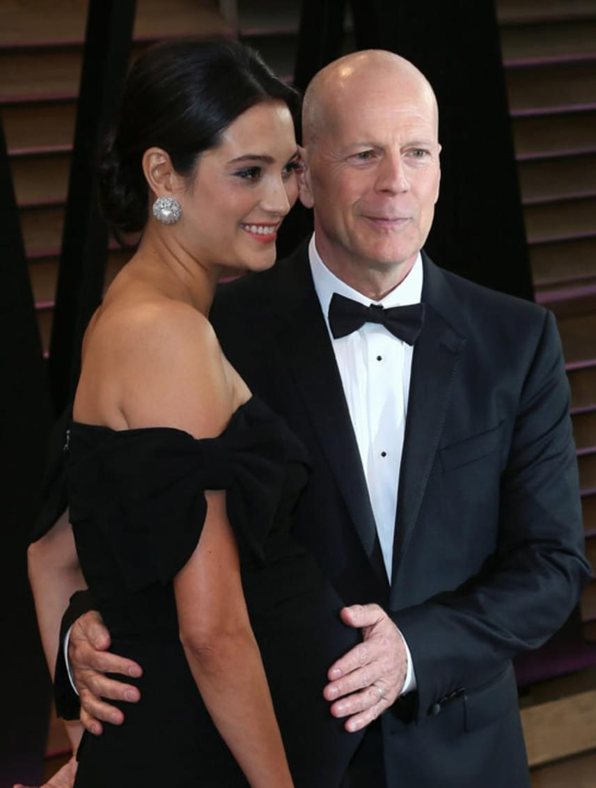 Bruce Willis már edzett lányos apuka: Demi Moore három lánnyal ajándékozta meg - Rumerrel, Tallulah-val és Scouttal -, és Emma Heming is két kislányt szült neki, Mabelt és Evelynt.