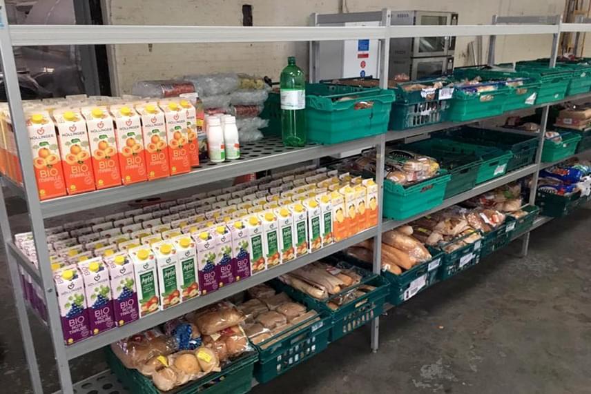 Hatalmas készlettel rendelkezik az élelmiszerbolt, amely az angliai Pudsey településen nyílt nemrégiben.