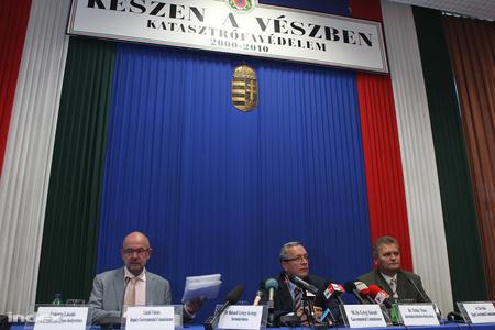 Valenta László, Bakondi György és Tollár TiborFotók: Barakonyi Szabolcs